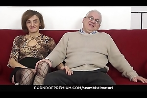 SCAMBISTI MATURI &ndash_ Eccentric ace fuck innings near sultry adult swingers