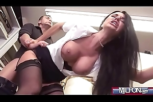 Cheer up MILF bonks to voluble squirt(Ania Kinski) 03 mov-15