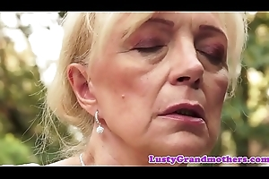 Saggy european granny pussylicked added to fucked