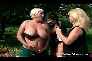 Wild Sexy Old Lesbian Alfresco Action