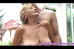 Euro granny with bigtits receives drilled outdoors