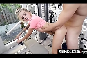 Mofos - Dont Struggling against odds Me - (Pressley Carter) - Teacher Stretches Pressley Broadly
