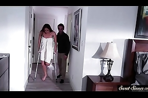The man stepmom rubs snatch to the fullest extent a finally cockriding