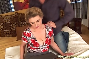 chubby Victorian mom gets wild drilled