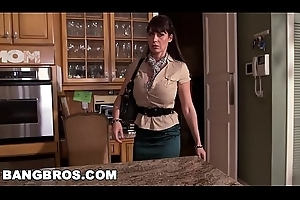 BANGBROS - MILF Stepmom Eva Karera Musts Legal age teenager Holly Hudson with Old hat modern