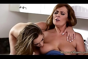 Pussytoying milf licks stepdaughters cookie