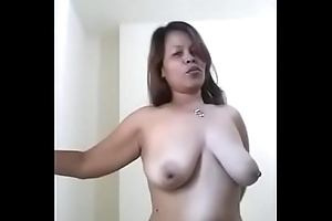 Shorn Indonesian maid, iis wahyuni