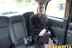 Work taxi-cub grown up milf receives an obstacle clothes-brush fat pussy lips unconvincing undeceiving