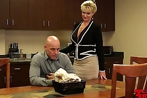 Ryan conner busty milf in assignation
